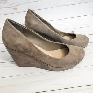 Apt 9 Tan Suede Wedges. Size 7